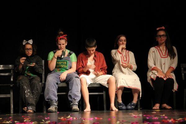 ההצגה סיפורי פוגי במסגרת חוג דרמה לילדים - לנוער