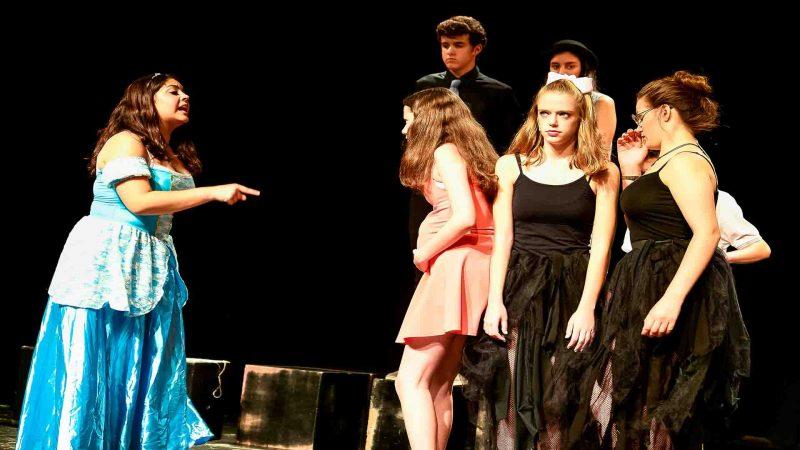 חוג תיאטרון לילדים - לנוער